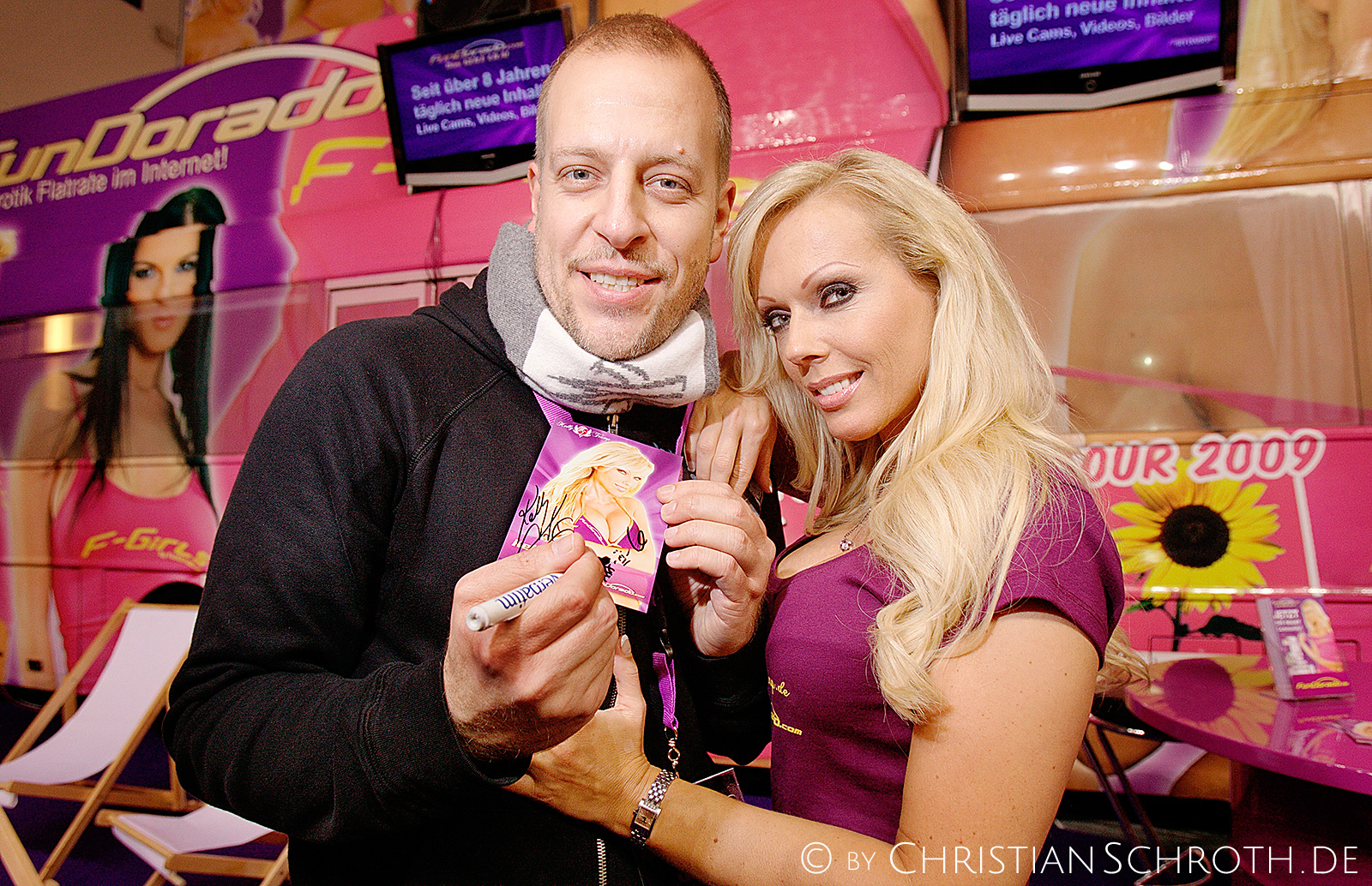 Lotto King Karl mit Porno-Star Kelly Trump auf der Venus